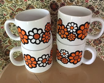 Vintage 70s DAISY Coffee Mugs - Set of 4 Hippie Mugs - 1970s Retro Flower Power Cups - Made in Japan