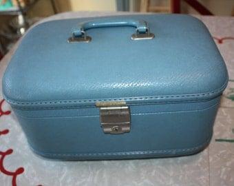 Cool Blue Vinyl Vintage Travel Train Case