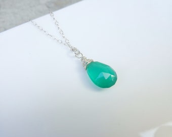 Sterling Silver Wire Wrapped Emerald Green Chalcedony Necklace Dainty Necklace Bohemian Jewelry