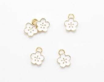 Cherry Blossom Pendant . Cherry Blossom Charm . Flower Pendant . Epoxy Flower Charm . 16K Polished Gold over Brass - 4pcs / IA0027-PG