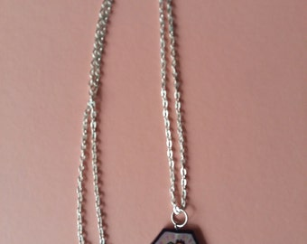 Necklace with hexagon pendants anatomic heart