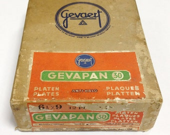 Gevapan 30 plates in unopened box - Gevaert photo stock- 6,5 x 12 cm - 2.5 x 3.75 in - analogue photography