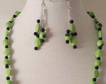 Green Necklace - Green Earrings - Dangle Earrings - Green Dangle Earrings - Long Green Necklace - Green Jewelry Set - Green Jewelry - Green