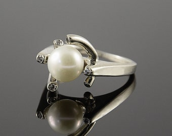 Pearl ring silver, Women pearl ring, Women silver ring, White pearl ring, Unique silver ring, Unusual ring silver, White stone ring