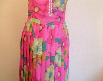 1960s Pink Flower Power Dress. Small