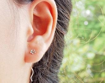 SALE! Flower Threader Earrings 925 Sterling Silver, flower Earrings, Gift for her, Dainty Earrings - SB9