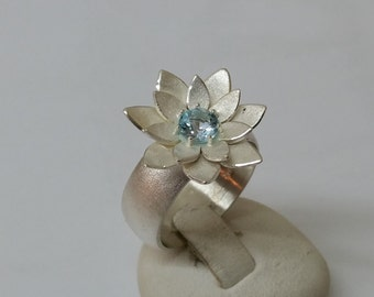 925 Lily ring with aquamarine 18 mm, size 7.9 SR412
