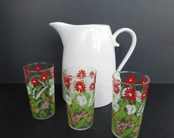 Vintage Red and White Flower Drinking Glasses, Daisy Juice Tumblers, Floral Glassware