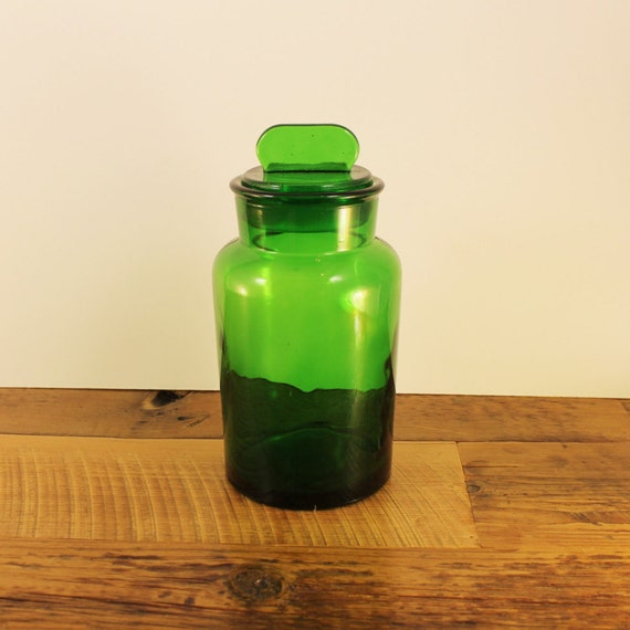 Vintage green apothecary jar large emerald green glass for Green glass bath accessories