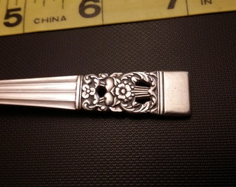 Coronation or Hampton court pattern meat fork circa 1936 in silver plate