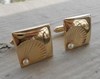 Vintage  Gold Shell & Pearl Cufflinks. 1980s Gold Toned. Gift For Groomsmen, Groom, Dad, Husband.