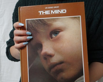 The Mind Book (Life Science Library)
