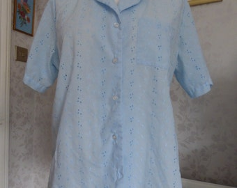 Sweet blue vintage broderie anglaise blouse 'Lady Blair, Warren, P.A.' 60s 70s large size L