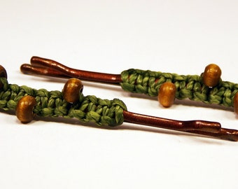 Macrame hair pin with little wood beads, handmade