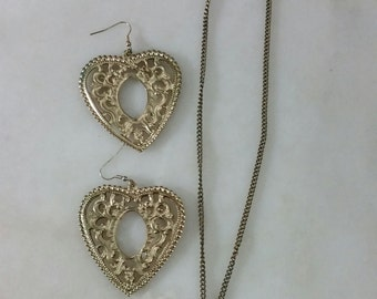 Eiffel Tower Necklace with Gold Heart Earrings