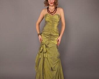 1990s Vintage Silk Sharkskin Taffeta McClintock Ruched Strapless Prom Mermaid Gown Dress