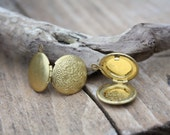 Flower Engraved Lockets (3 pieces), Gold Circular Pendant, Jewelry Items, Crafting Supplies