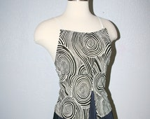 90s Trippy Club Kid Vintage Optical Illusion Clubbing Cyber Rave Belly Slit Black and White Uzumaki Tank Top