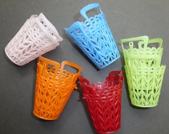 10 Kitsch 1960s Plastic Baskets.. 5.5cm Tall  VERY Useful...