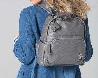 Polar Whites grey quilted backpack with zip pocket (style11)