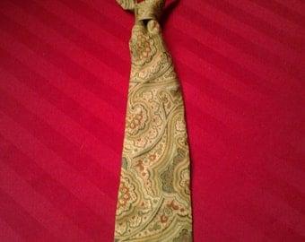 MARVELLOUS MAY SALE! Paisley Green, Beige, and Dark Orange Filene's Tie