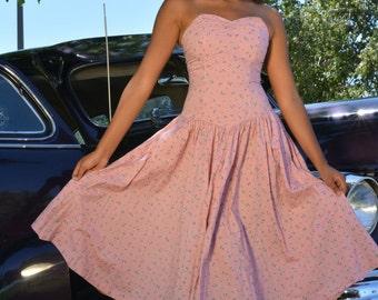 Vintage Pink Prom Dress/ Sweetheart pink summer dress/ Vintage prom dress/ 1950s pinup styled dress/ Bridesmaid dress/ Pink formal dress/