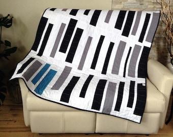 Mist - Modern quilt, Yo, ready to be shipped. Lap quilt, Modern quilt.  Ready to ship.