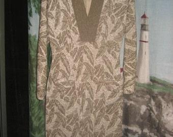 Dawn Joy Fashions vintage Avocado Green/off-white Leaf Pattern Knit low V-neck Winter Midi Dress