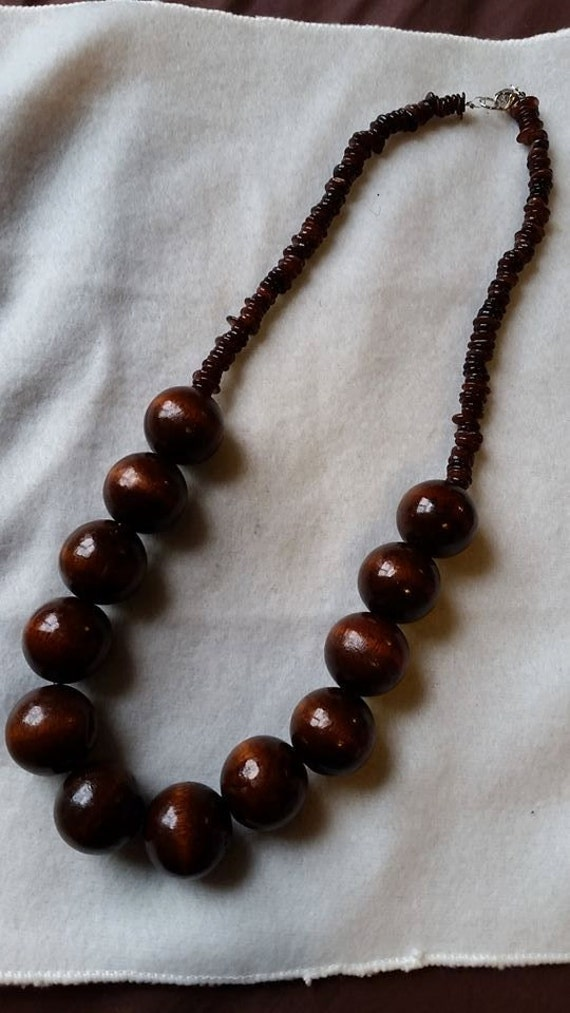 chunky wood bead necklace