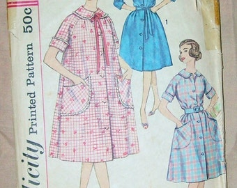 Simplicity Vintage Pattern Robe / Day Dress 1950's
