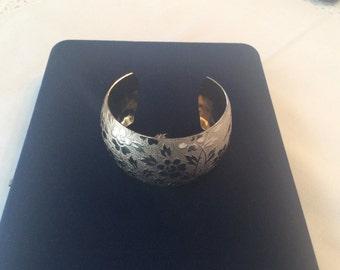 Vintage Gold Toned Cuff Bracelet #661