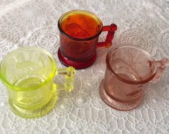 Degenhart Glass Co. ~ Miniature Bird Pattern Mugs ~ Circa 1970's