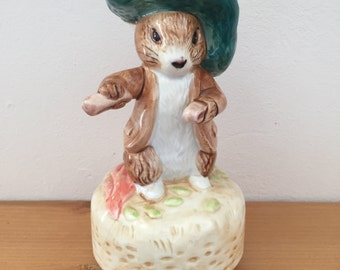 """Vintage Schmid for Beatrix Potter """"The Tale of Benjamin Bunny"""" Music Box"""