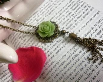 "Necklace ""Flower & pompon"" green"