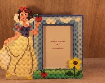 pixel art inspired by snow white