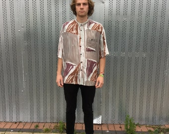 80s vintage patterned shirt. Collarless shirt. Size M, brown & grey.