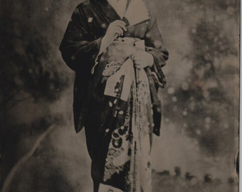 "Geisha Small No. 1 - Black Glass Photograph (Ambrotype) - 4.25"" X 6.25"""