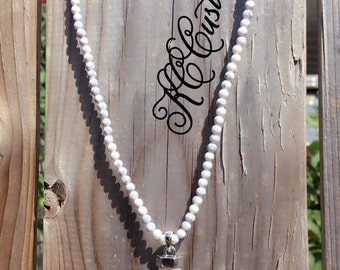 White and grey bead necklace