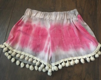 Toddlers pink tie dye Pom Pom shorts