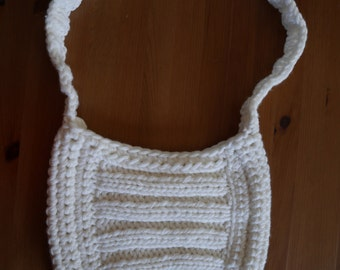 Acrylic wool white-cream bag