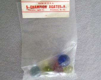 5 Vintage Champion Agate Clearie Marbles in Original Packaging