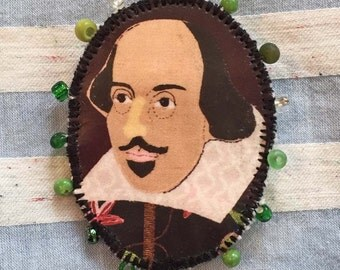 Shakespeare Fabric Cameo Pin Brooch Badge - Textile Art