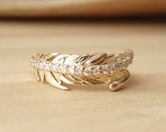 Diamond Feather Ring - Medium