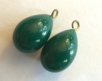 vintage drops (2) dark jade green glass beads charms Japan teardrop pear (2)
