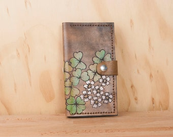 iPhone 6 Wallet Leather in Lucky Pattern w/ Shamrocks & Flowers - Green, white and antique black - Handmade for iPhone 5, 6, 6+, SE, 7 or 7+