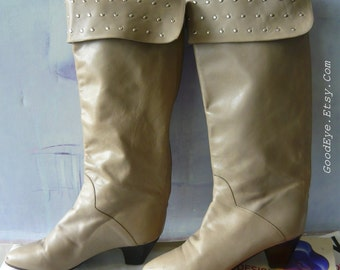 Vintage Leather Knee Boots STUDDED CUFF size 6 .5 M  Eur 37 UK 4  Nail Heads Charles David Tan Taupe Riding Slouch Flat 80s Italy