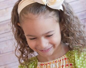 Ivory baby headband, Ivory newborn headband, infant headband, Ivory hair clip, Hair bows for girls, Cream headband, cream hair bow, unique