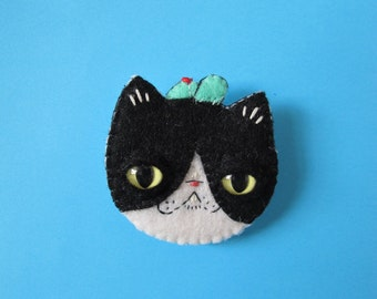 Makeforgood - Porco! Felt Brooch - made to order