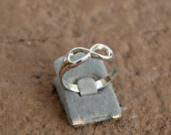 70% OFF Going Out of Business Sale.. ..Celtic Infinity Ring - Sterling Silver Ring size 6.5