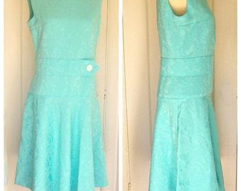 60s mod mini dress / light aqua blue dress / sleeveless scooter dress / retro shift dress / womens medium large
